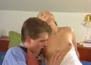 Good schoolboy molested by mommy