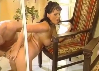 Dark-haired mommy gets gaped on cam