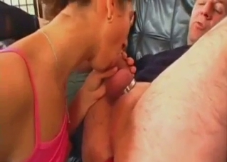 Teen fucks daddy's ass while blowing him