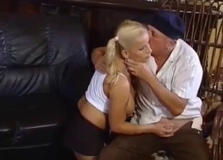 Pigtailed blonde blows her senile daddy