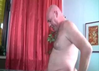 Ponytailed slut enamored with her dad