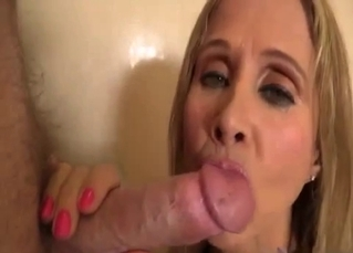 Blond-haired mommy jerks it good
