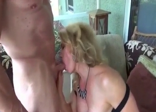 Dress-wearing mommy wants it bad